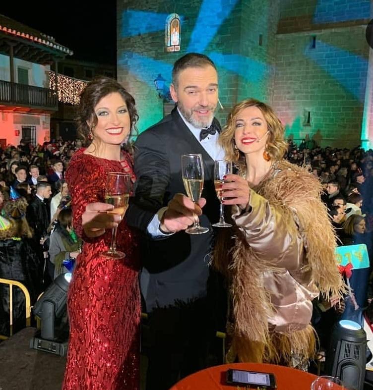 Otro año mas el diseñador Toledano elegido para vestir las Campanadas